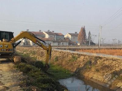 黄盖湖镇全面启动冬季沟渠清淤工作