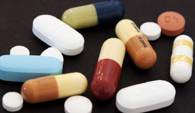 """第二批国家""""团购""""药32个品种采购成功,100个产品中选—— 百姓常用药 价格降一半"""