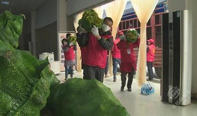 【一线写实】湘鄂一家亲!浏阳市龙伏镇达峰村捐赠物资支援赤壁市