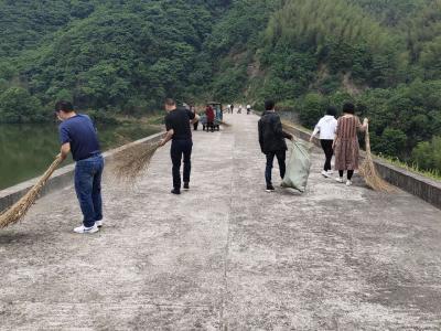 赤壁医保:开展清河行动   守护绿水青山