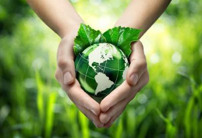 以习近平同志为核心的党中央高度重视生态文明建设 坚定不移走生态优先绿色发展之路
