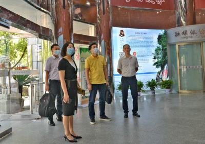 新华社新闻信息中心湖北中心参观考察赤壁市融媒体中心建设