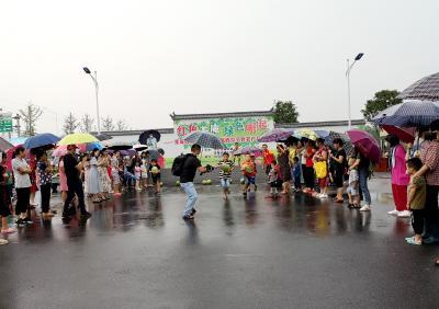 组图|茶庵岭镇:西瓜节上欢乐多~