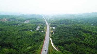 【赤壁高质量发展之变㊳】107国道改扩建:美丽长虹 通衢八方