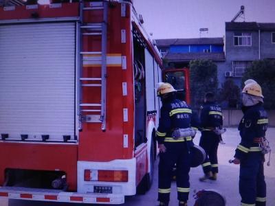 消防讲座进校园 安全自救记心上