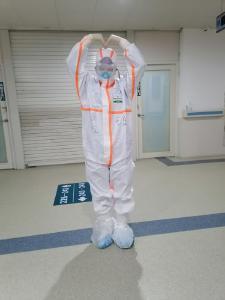 东南医院白衣战士方瑶自述 | 隔离病毒  但不隔离爱