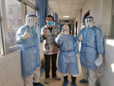 孝感市第一人民医院首例危重症患者痊愈出院