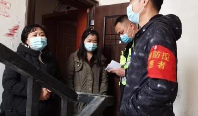 远在广东的女工,想给这位孝感派出所长送鞋…