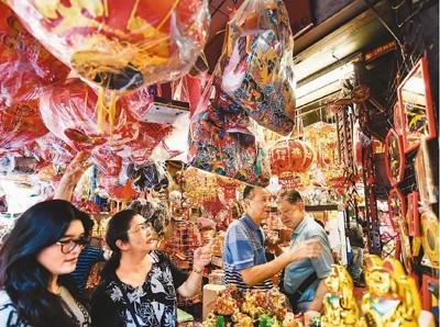 """中国春节全球刮""""红色旋风"""" 尽显世界""""范""""儿"""
