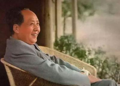 毛泽东最经典的诗词:至情至性,霸气十足!