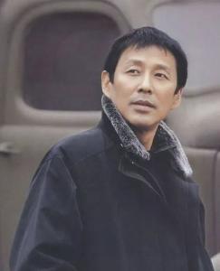 63岁陈道明再度爆红:人活到极致,就是在别人看不到的地方节制