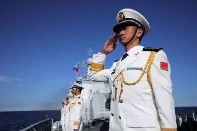 这就是中国军人  !  这就是英雄本色  !