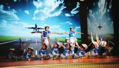 神农架林区举行庆祝建军90周年文艺晚会
