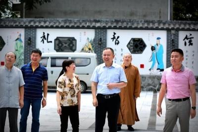 """湖北省人大常委会""""民族团结进步荆楚行""""走进下谷乡"""