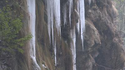神农架冰挂美景如画