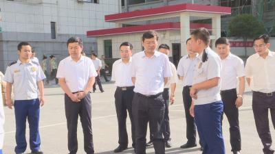 """林区领导""""八一""""节前走访慰问武警、人武官兵和消防"""