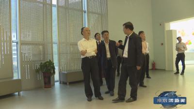 湖北省高级法院院长游劝荣到林区调研