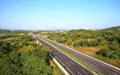 湖北拟建经神农架的十堰至宜昌高速公路