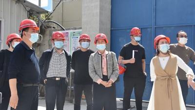 李金玲调研创新实验学校项目建设情况