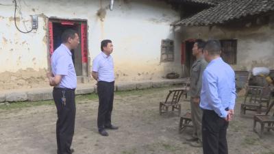 刘启俊:高质量完成危房改造 让困难群众早日住上安全房