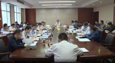 刘启俊主持召开政府常务会研究林区下半年经济工作