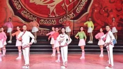 """火了  央视""""第一套戏曲广播体操""""走红:瞬间成武林高手 有学校已采用"""