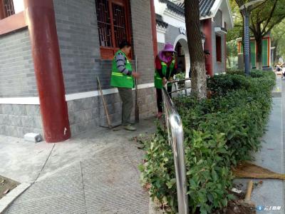 市绿化管理处进一步完善市明珠广场无障碍设施