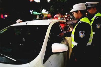 """随州交警整治酒驾5名""""酒司机""""被查处"""