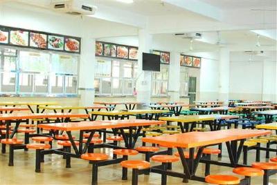 """随州市评选出17所学校""""放心食堂""""、5所学校""""放心超市"""""""