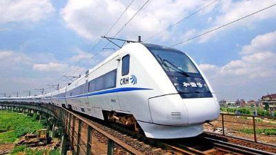 五一假期中短途游受追捧 高铁动车成最热门出行方式