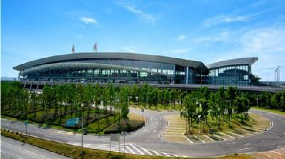 天河机场前4月客货运增速居全国大型机场第一