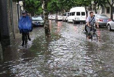 湖北省遭遇今年最强降雨,部分站点接近100年一遇