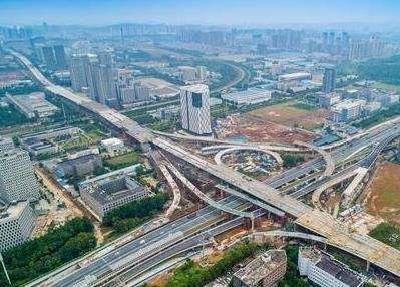 光谷大道高架桥主体结构全线贯通 双向六车道设计时速60公里