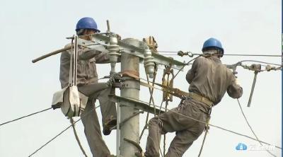 奋战两日两夜  随县供电公司全面恢复万和镇供电