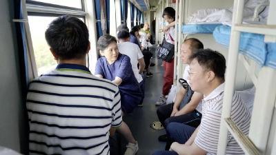 县委书记毕道丽、县长陈兴旺带队督办随县铁路沿线环境整治工作