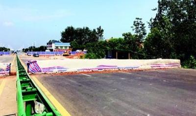 省政府两次督办,黄石人盼了6年 建好的快速路为啥被水泥桩封堵?