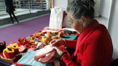 中国妇女手工双创大赛中部选拔 湖北6项目入围半决赛