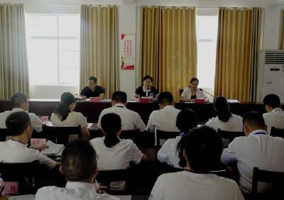 毕道丽与随县县委党校首期年轻干部培训班首届学员谈心谈话