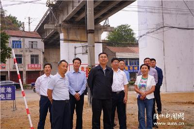 陈瑞峰在开展主题教育铁路沿线环境整治专题调研时强调 认真检视反思 狠抓问题整改打造优美的铁路沿线环境