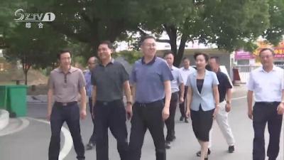 V视 陈瑞峰看望慰问一线教师 送去节日问候和美好祝愿