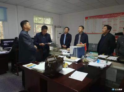 随州市人大常委会副主任杨金贵调研社会保障兜底脱贫工作