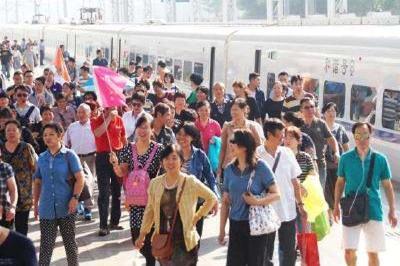 国庆期间我市发送旅客近130万人次