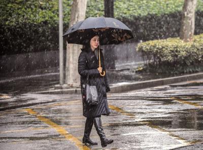 """为何武汉的雨雪""""随机播放""""?气象部门:因湖北正处于南北方雨雪分界线"""