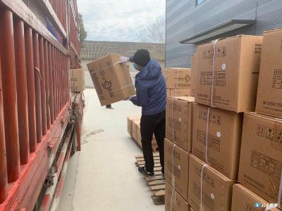 湖北楚天药业再向雷神山医院驰援十万套一次性输液器