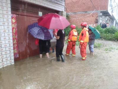 广水突降暴雨,消防抢险救援!