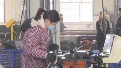 桥河村:能人回乡创业 村民守家就业