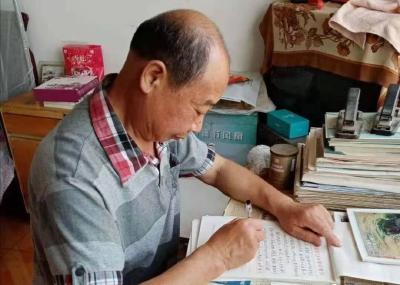 倾心教育四十载  志愿服务无止境  ——记淅河镇东门口社区志愿者陈付元同志