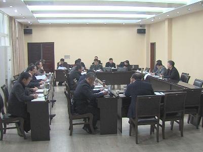 市委中心组集中学习党的十八届六中全会精神