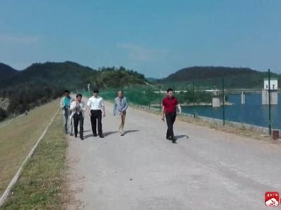 田涛检查指导防汛抗旱工作