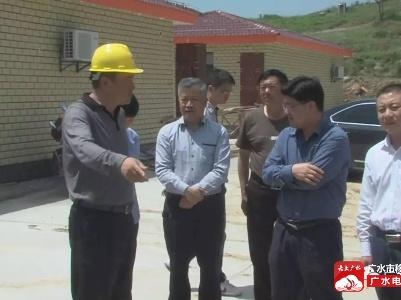 黄继军到骆店 陈巷镇调研经济发展以及精准扶贫工作
